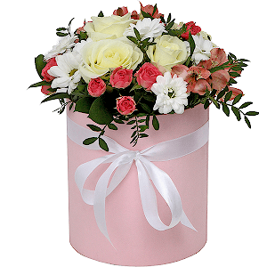 """Цветы в шляпной коробке Композиция """"Модница"""""""